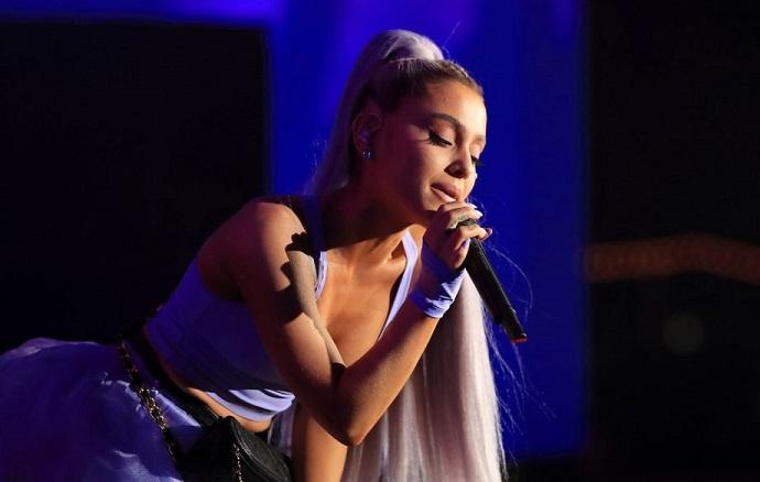 Ariana Grande'den bir yeni rekor