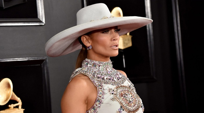 Jennifer Lopez 'in çok konuşulan kostümü