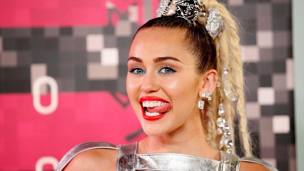 Miley Cyrus bebek mi bekliyor ?