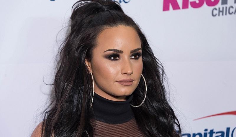 Demi Lovato sosyal medyaya geri döndü