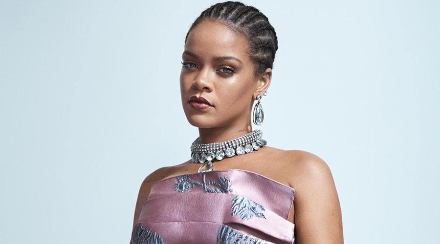 Rihanna markasının ilk şovuna hazırlanıyor