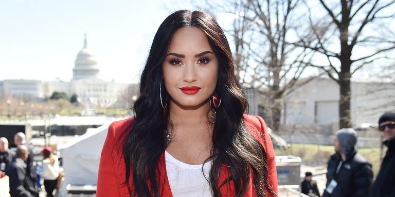 Demi Lovato yas tutuyor